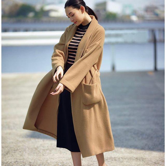 リュクス感をまとえる柔らか色のコート_1_3