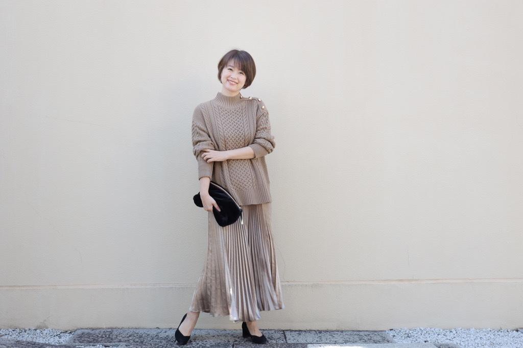 「GU高見えゆったりニット」+「艶プリーツスカート」でリラクシーなワンツーコーデ_1_4