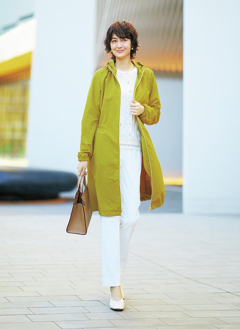 パッと一枚で着こなしが決まる色が主役の春のカラーコート
