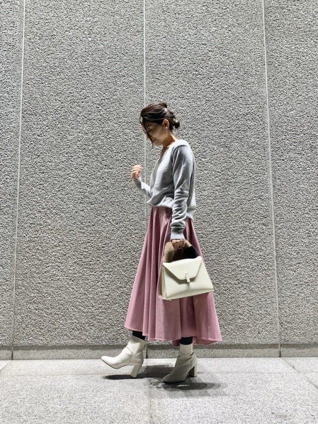 女子上がる大人ピンクのスカート _1_1
