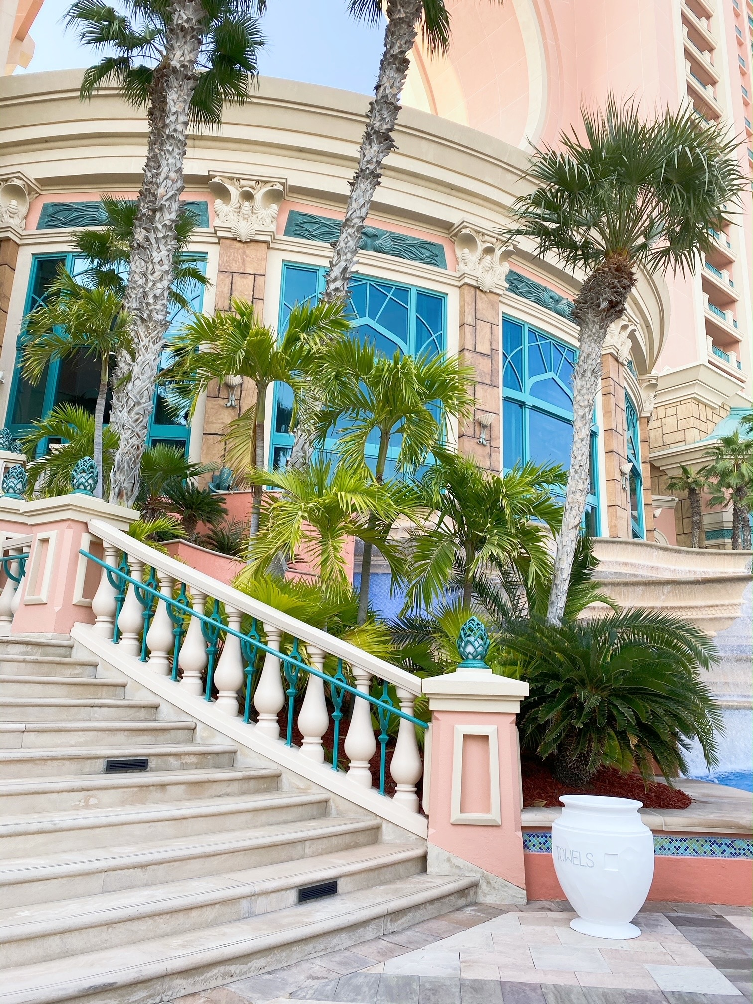 「ATRANTIS THE PALM」ホテルのお部屋&プライベートビーチ 〜ドバイ⑦〜_1_7
