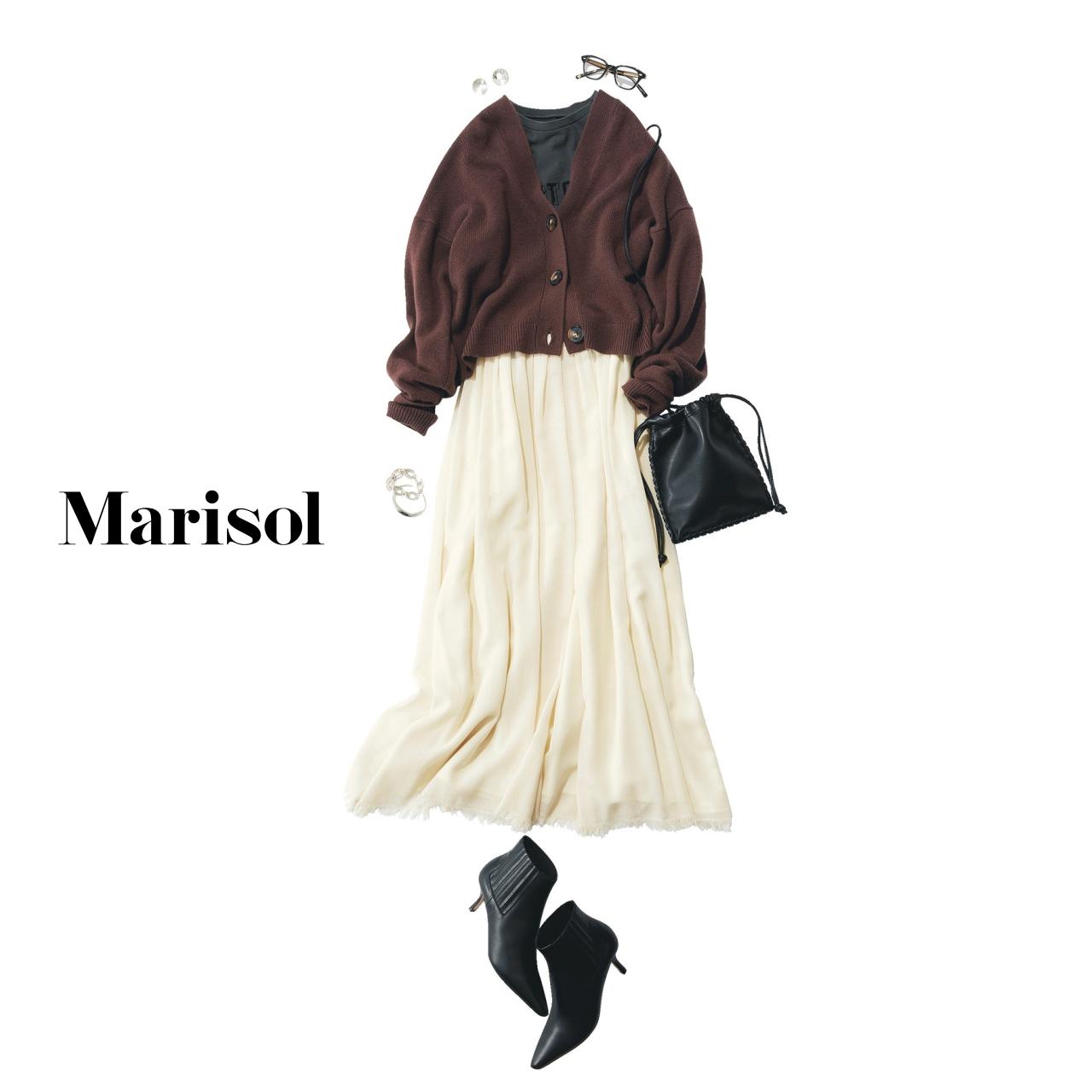 40代ファッション ブラウンカーディガン×Tシャツ×白スカートコーデ