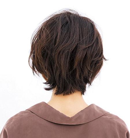 レイヤーショートで 大人の首もとを美しく見せて【40代のショートヘア】_1_3