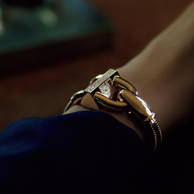 VAN CLEEF & ARPELSの時計「カデナ ウォッチ」