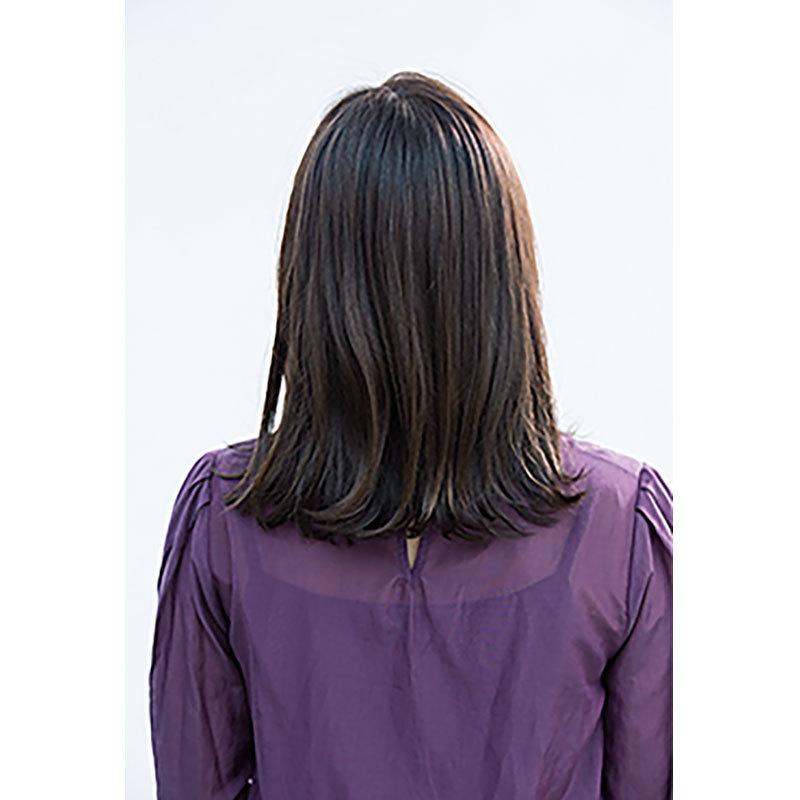 後ろから見た 40代に似合う髪型 ミディアムヘアスタイル人気ランキング3位
