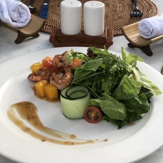 タンジュンサリ サラダ
