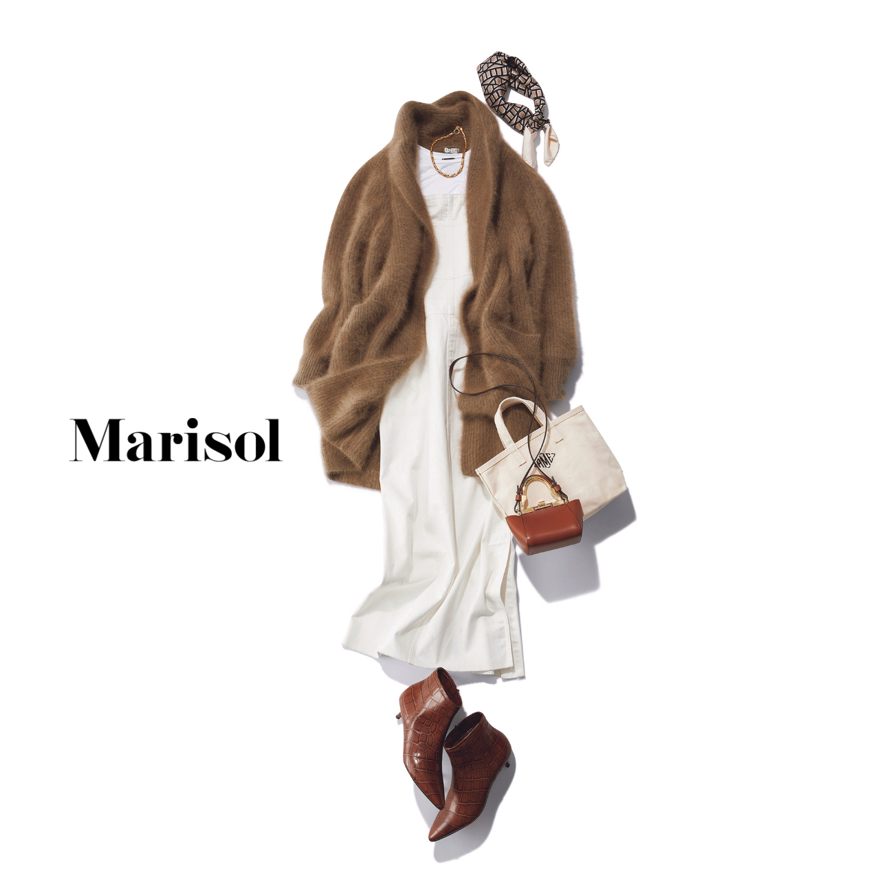 40代ファッション 白のオールインワン×カーディガン×ブーツコーデ