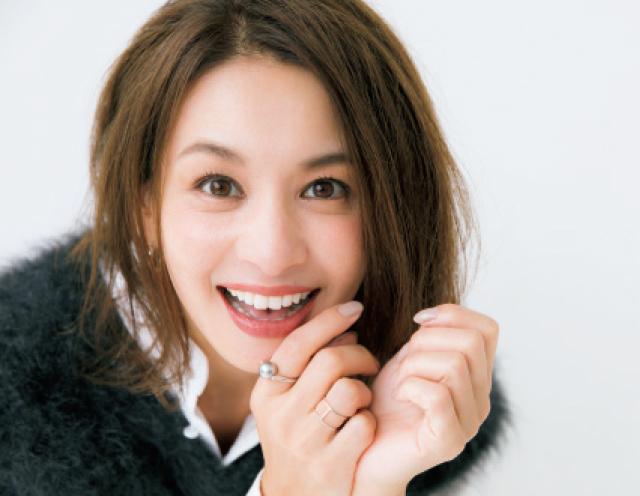 笑った顔の稲沢朋子
