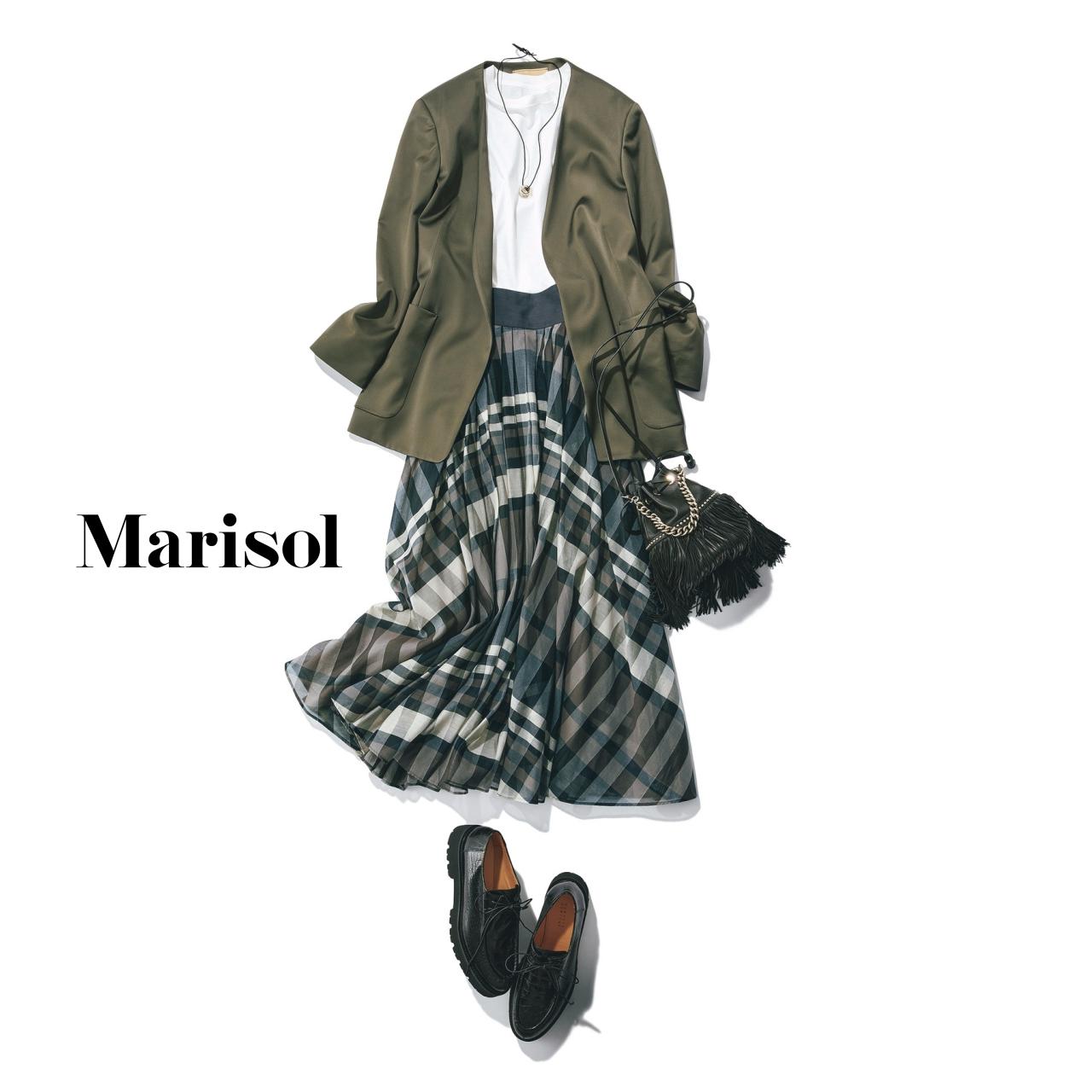 40代ファッション カーキジャケット×柄スカートコーデ