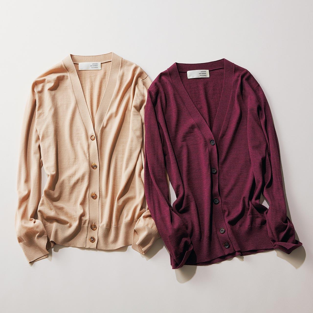 ファッション タートルニッイタリア・ロロピアーナ社のウールを使用した、非常に細いゲージで編まれたニットカーディガン