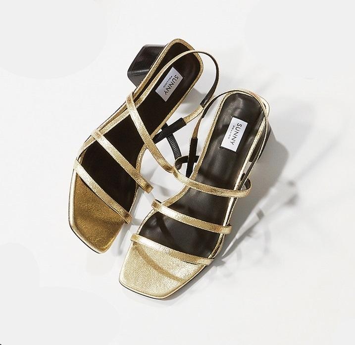 ファッション ペリーコ サニーの4本ストラップサンダル