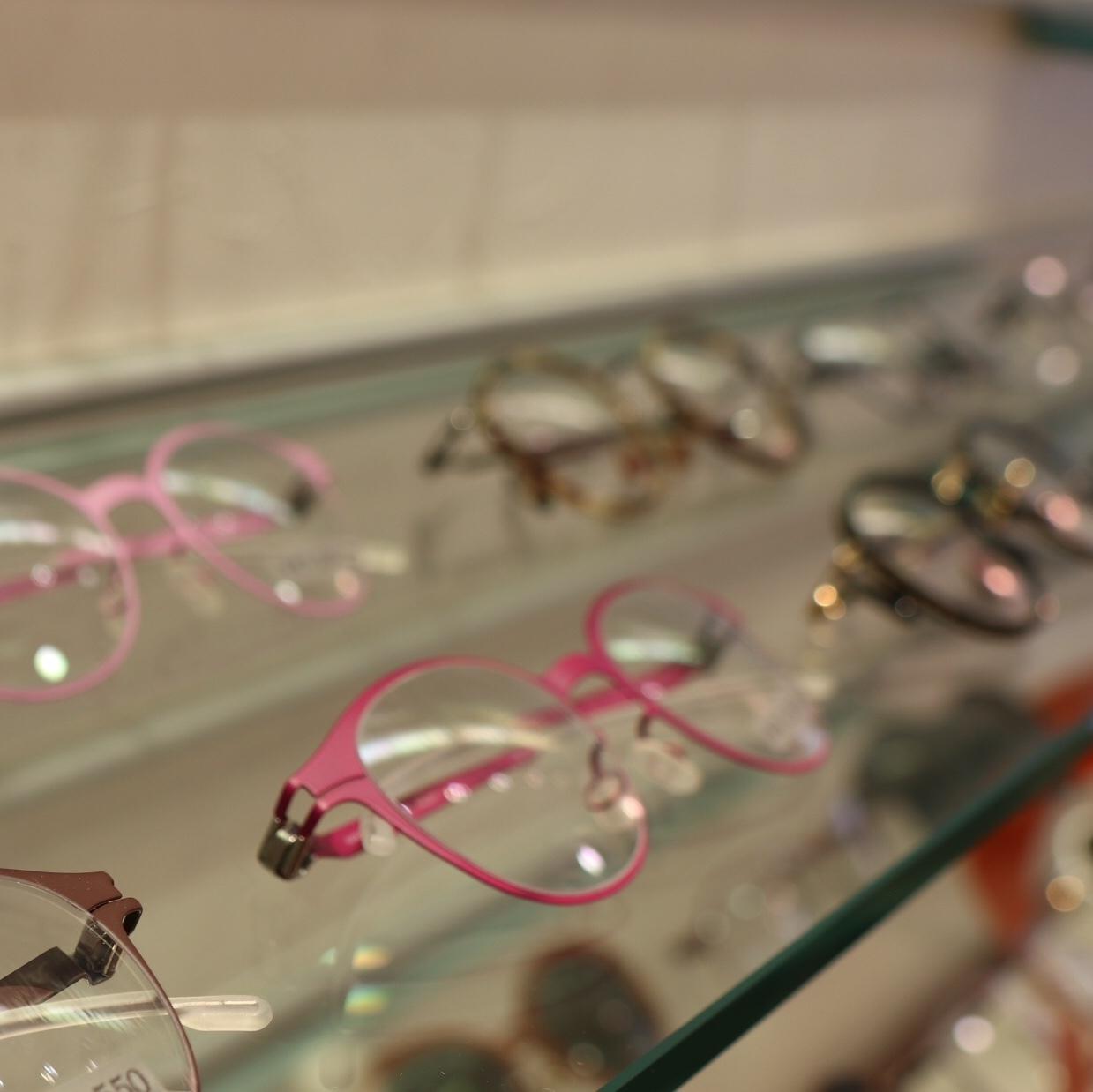 スペシャルなメガネを求めて_1_4