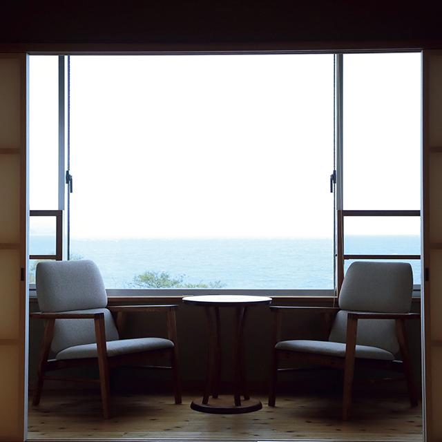 ゆっくり部屋でくつろぐおこもりには、展望内風呂のある客室「島風」がイチ押し