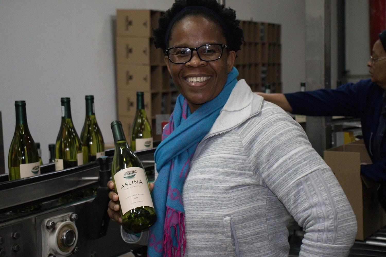 """平和と希望のワイン「アスリナ」 南アフリカの黒人女性醸造家の""""夢""""とは?_1_1"""