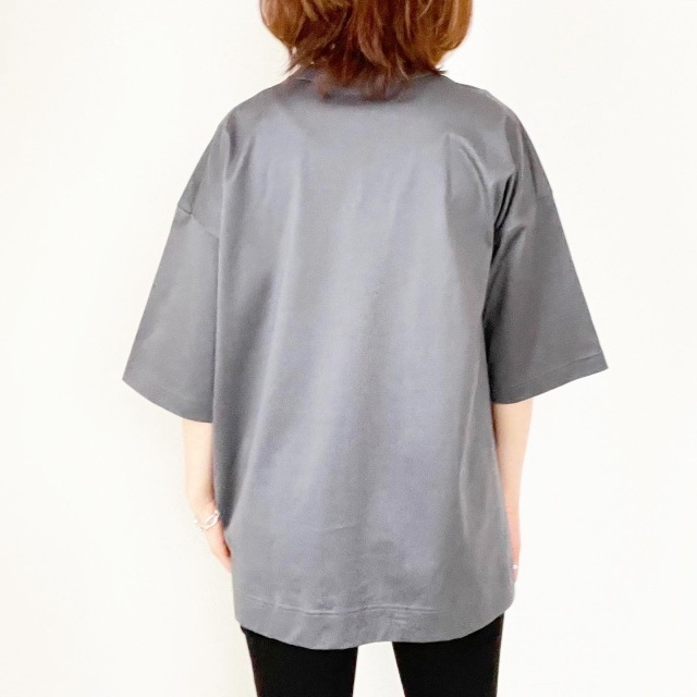 『ユニクロ+J』再販で買えた!幻のTシャツ【tomomiyuコーデ】_1_4
