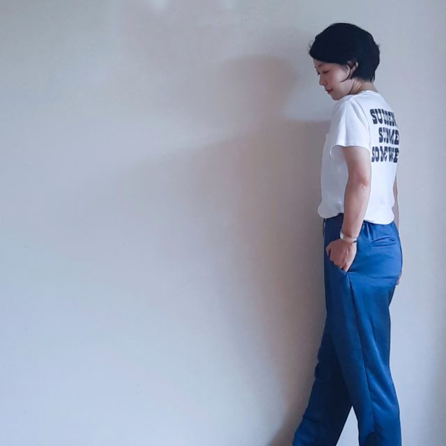 【夏の定番Tシャツコーデ】旬のロゴT 私は後ろで取り入れました。_1_4-2