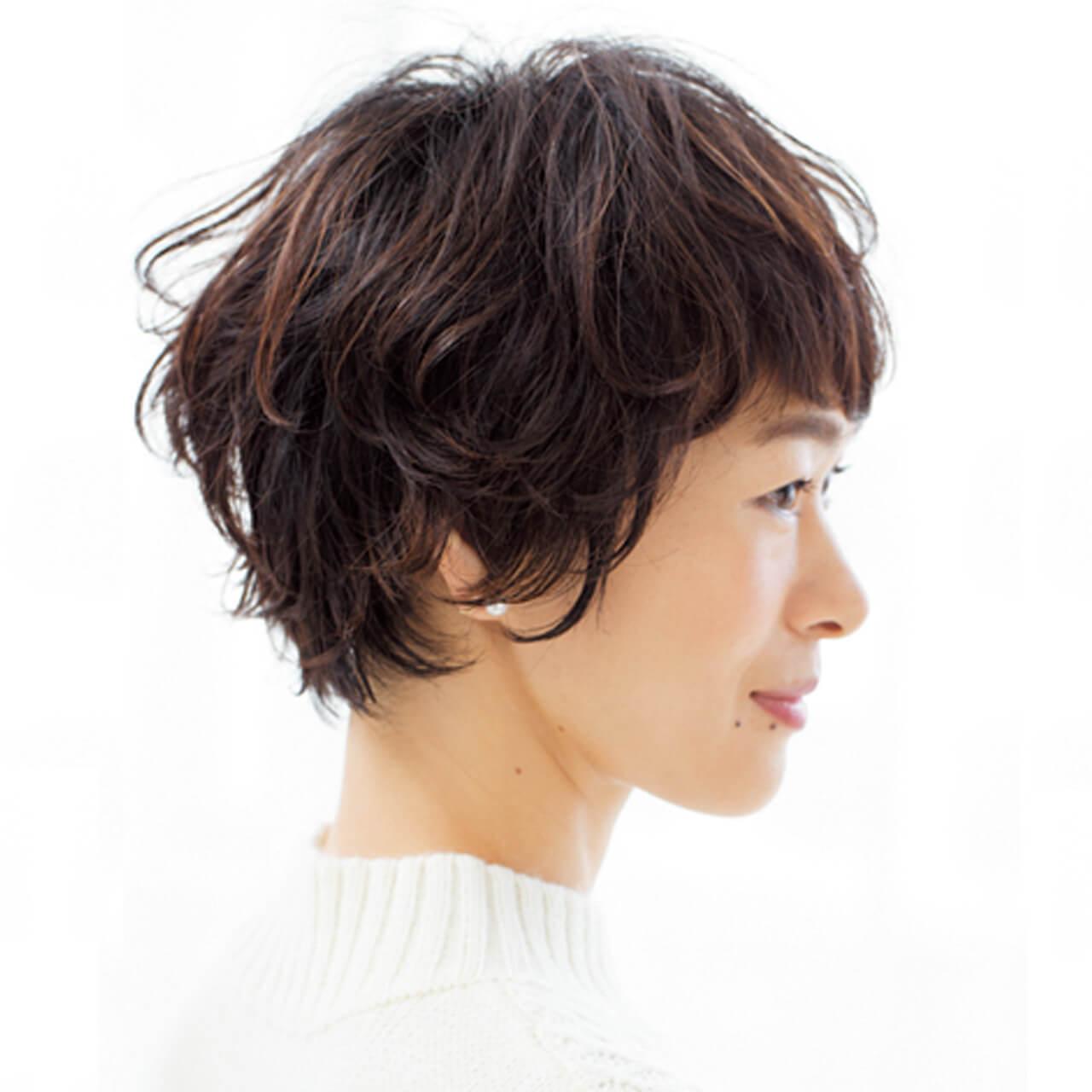 顔まわりのピンパーマで自然な立体感を。キュートなショートヘアの完成!【40代のショートヘア】_1_2