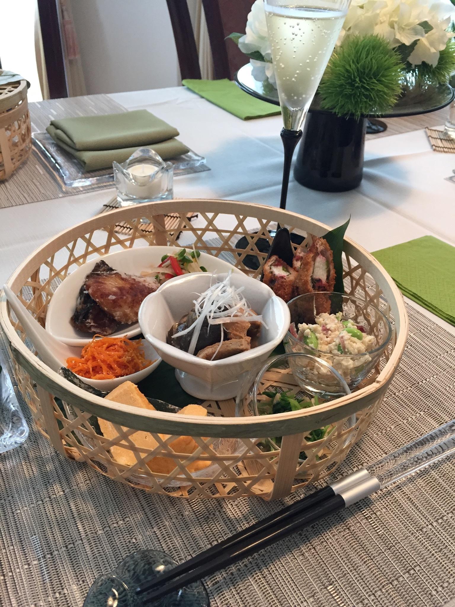 籠を使った涼しげなテーブルコーディネートと夏の和食_1_4