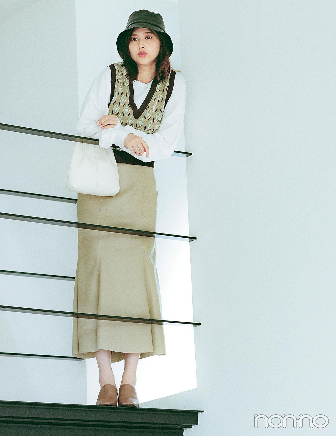 渡邉理佐はレザースカートで手っ取り早く秋モードをオン【大学生の毎日コーデ】