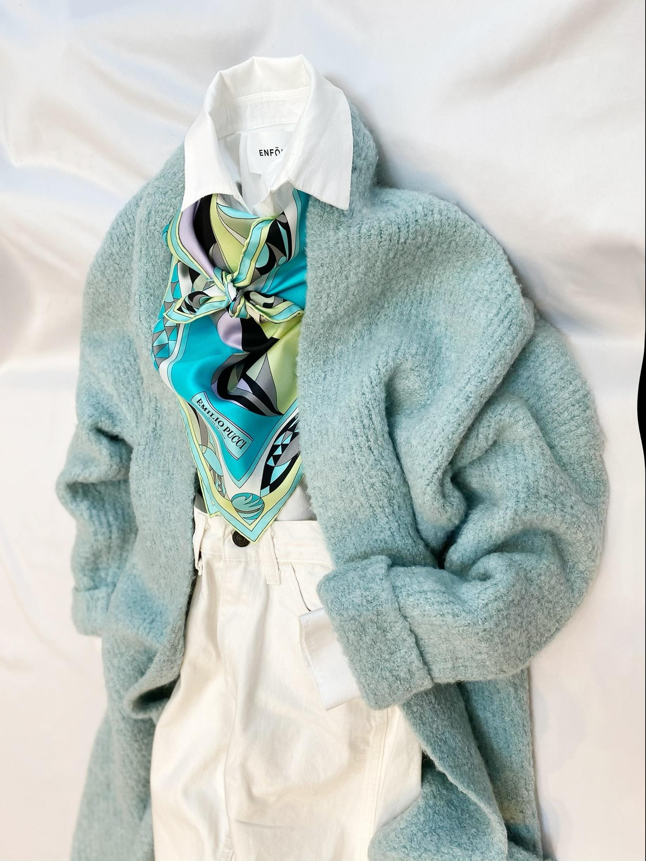 EMILIO PUCCI (エミリオ・プッチ)スカーフでつくる負大人のフェミニンスタイル