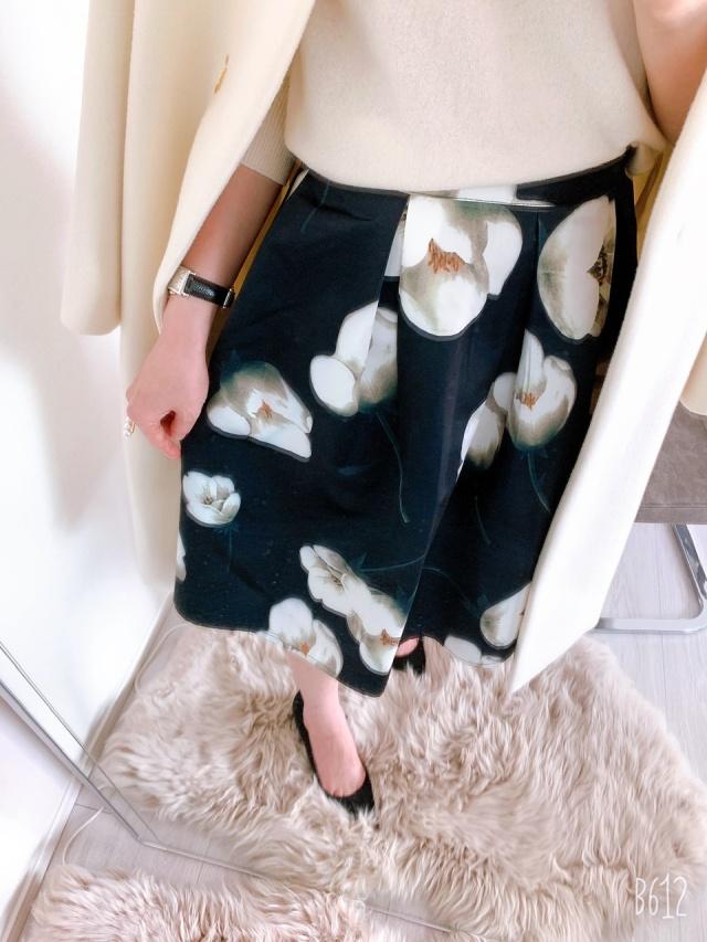 花柄スカートもブラックベースでシックに!_1_3