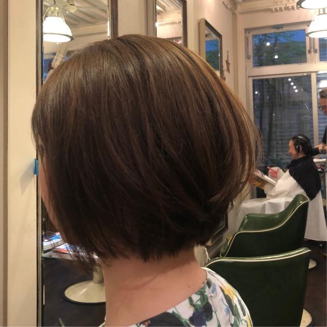 暑い夏を乗り切るためのヘアースタイルは「前下がりショートボブ」_1_1-2