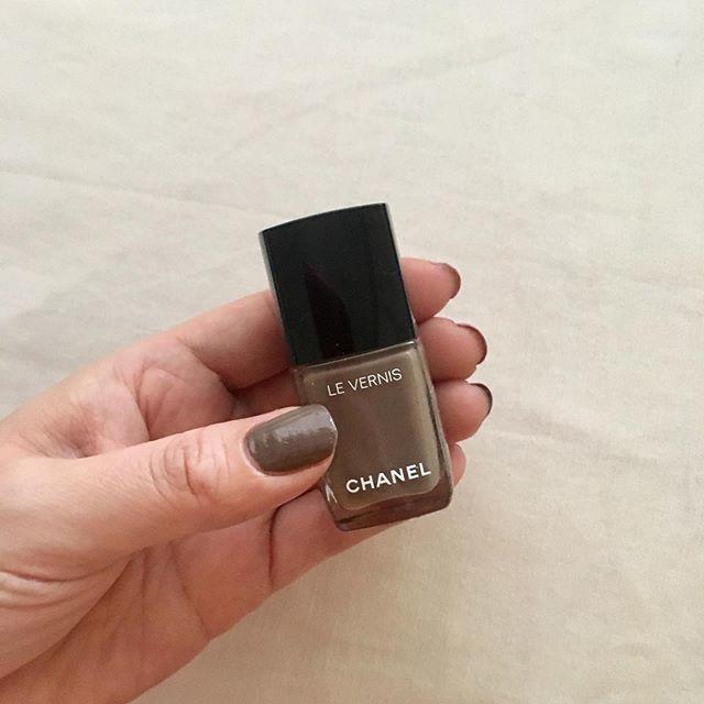 シャネルのお気に入りネイルカラー2色♡指先を上品にきれいに見せてくれるから気分が上がる!_1_3