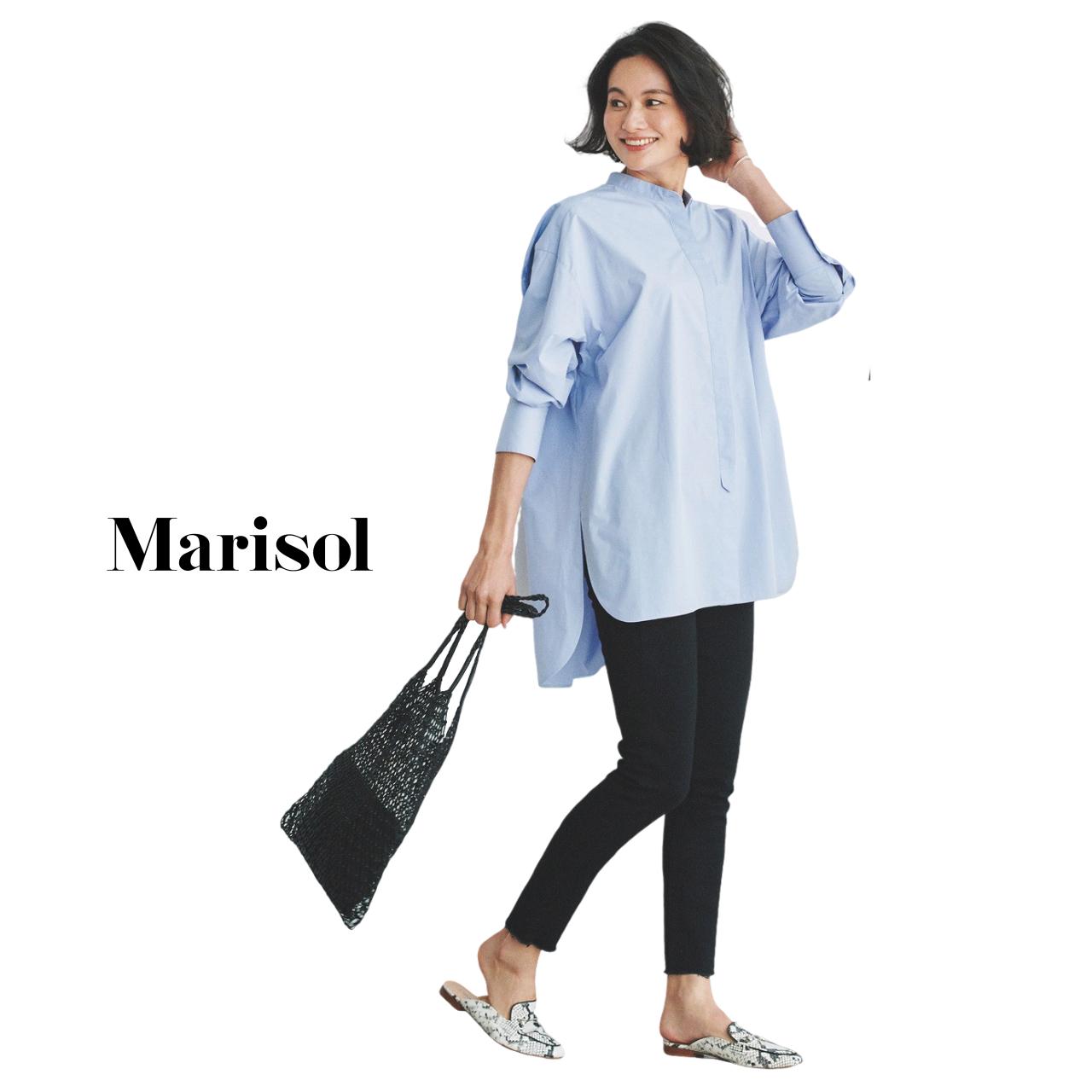 40代ファッション ブルーシャツ×黒パンツコーデ