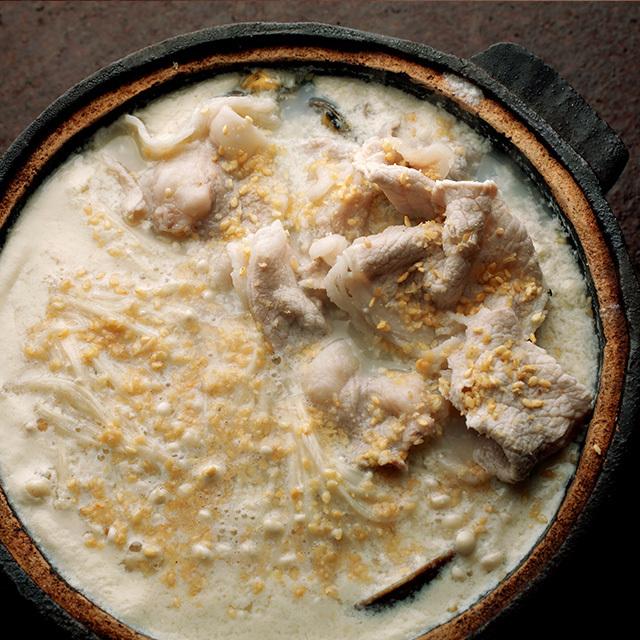 ほっとするおいしさ「アサリと豚肉の豆乳鍋」