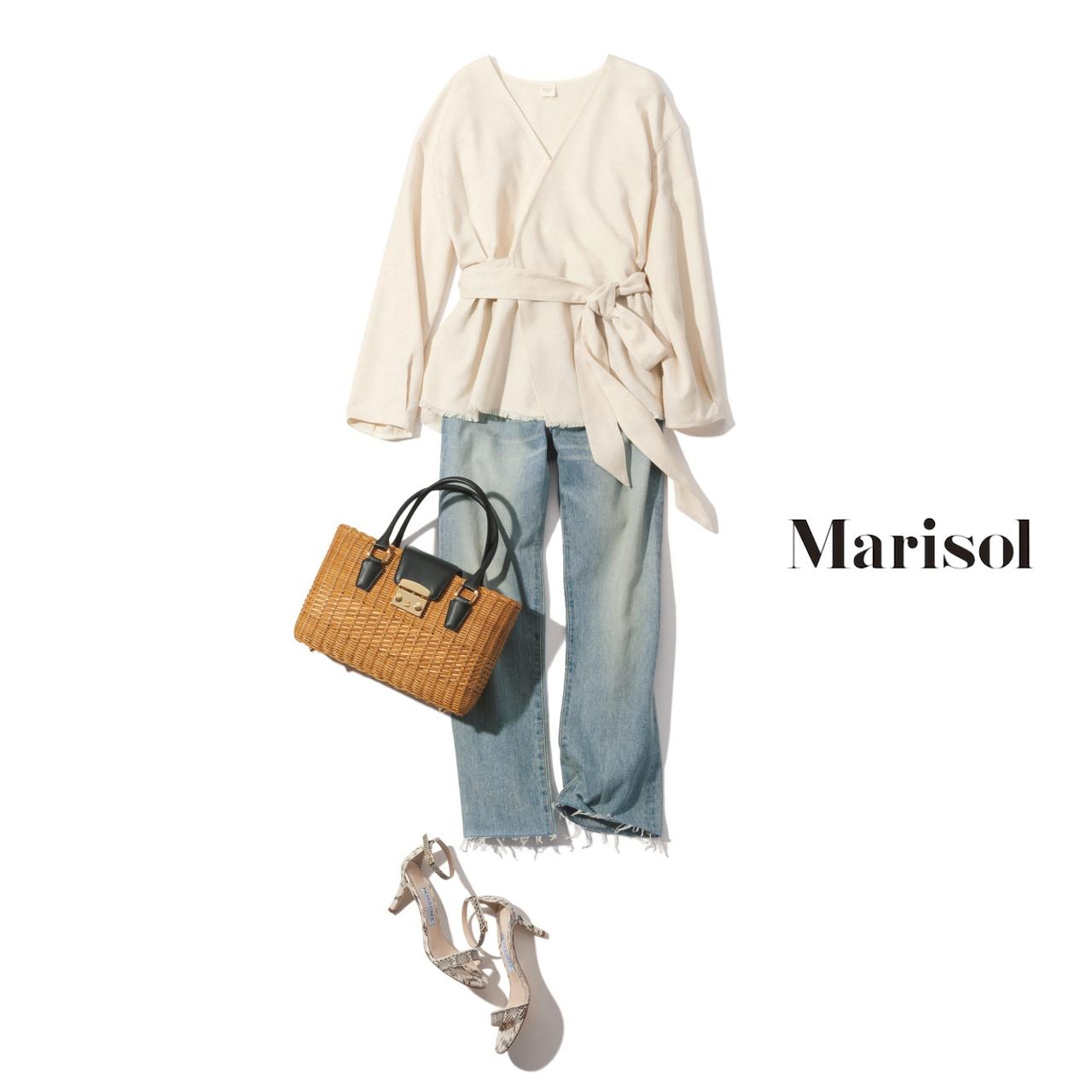 40代ファッション カシュクールブラウス×ウォッシュデニムパンツコーデ