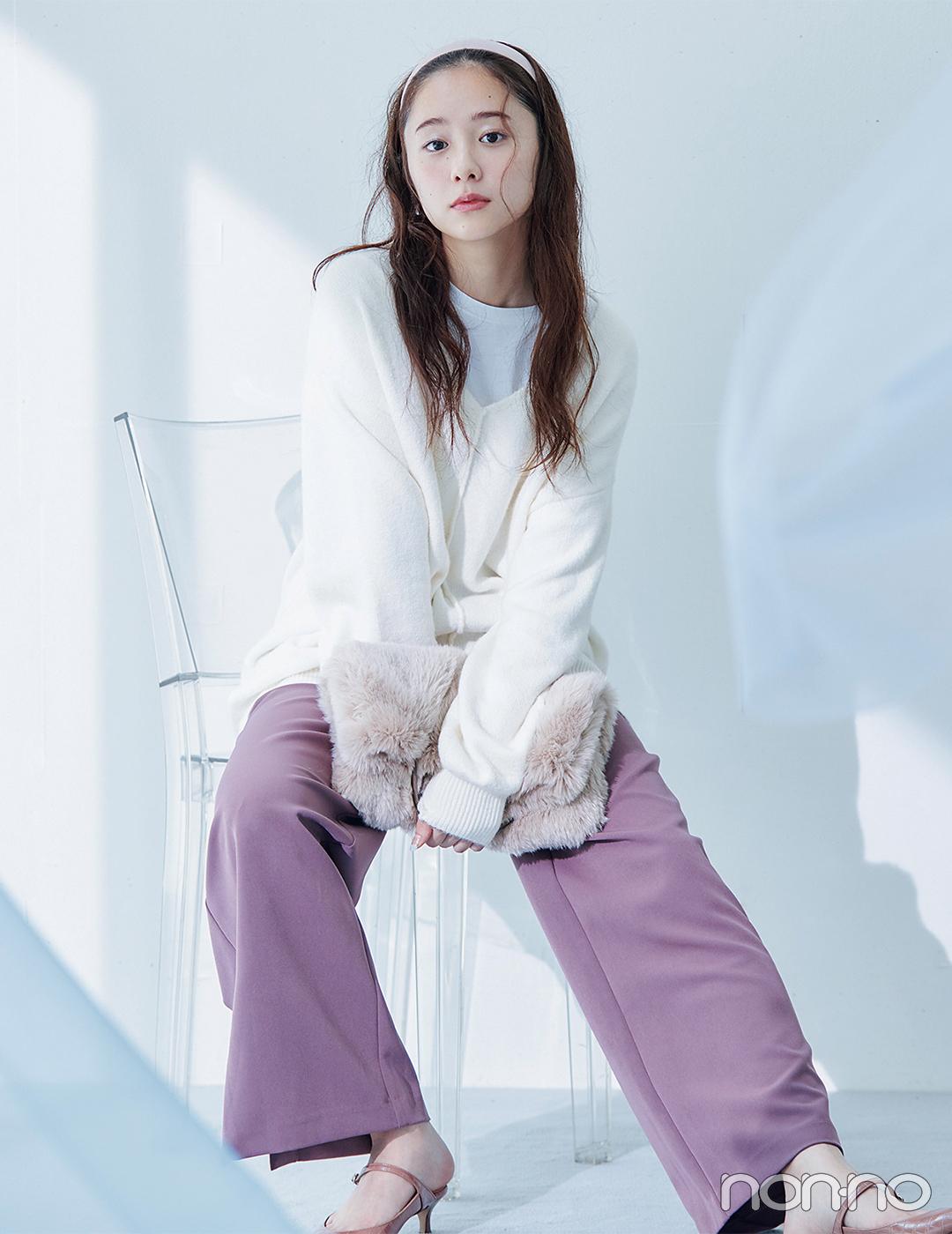 まろやかなベリー色パンツで透明感あふれる好感度ガールに【毎日コーデ】
