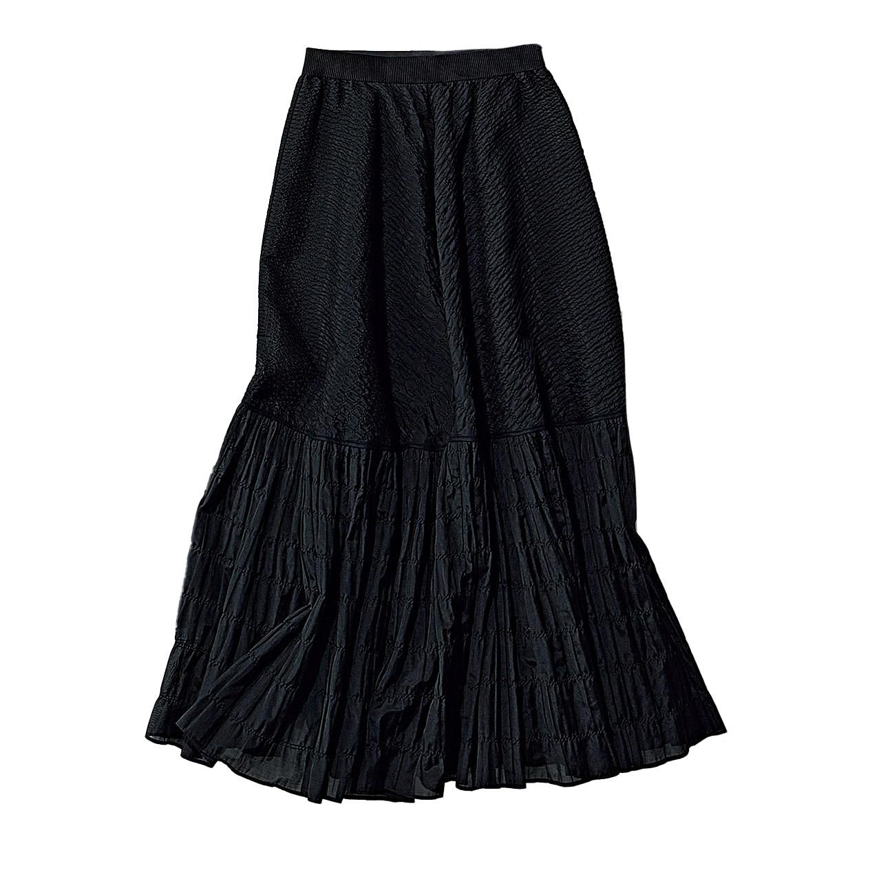 黒のティアードスカート