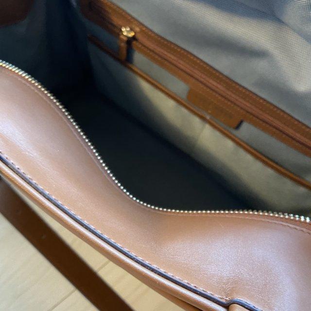 【COLEHAAN】通勤コーデのお洒落格上げに。ブラウンバッグがおすすめ!_1_2