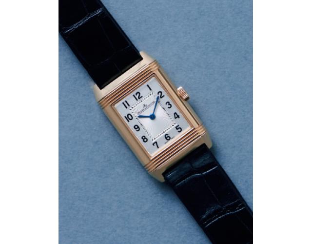 ジョルジオ アルマーニの時計「レベルソ・クラシック・スモール・デュエット」の文字板