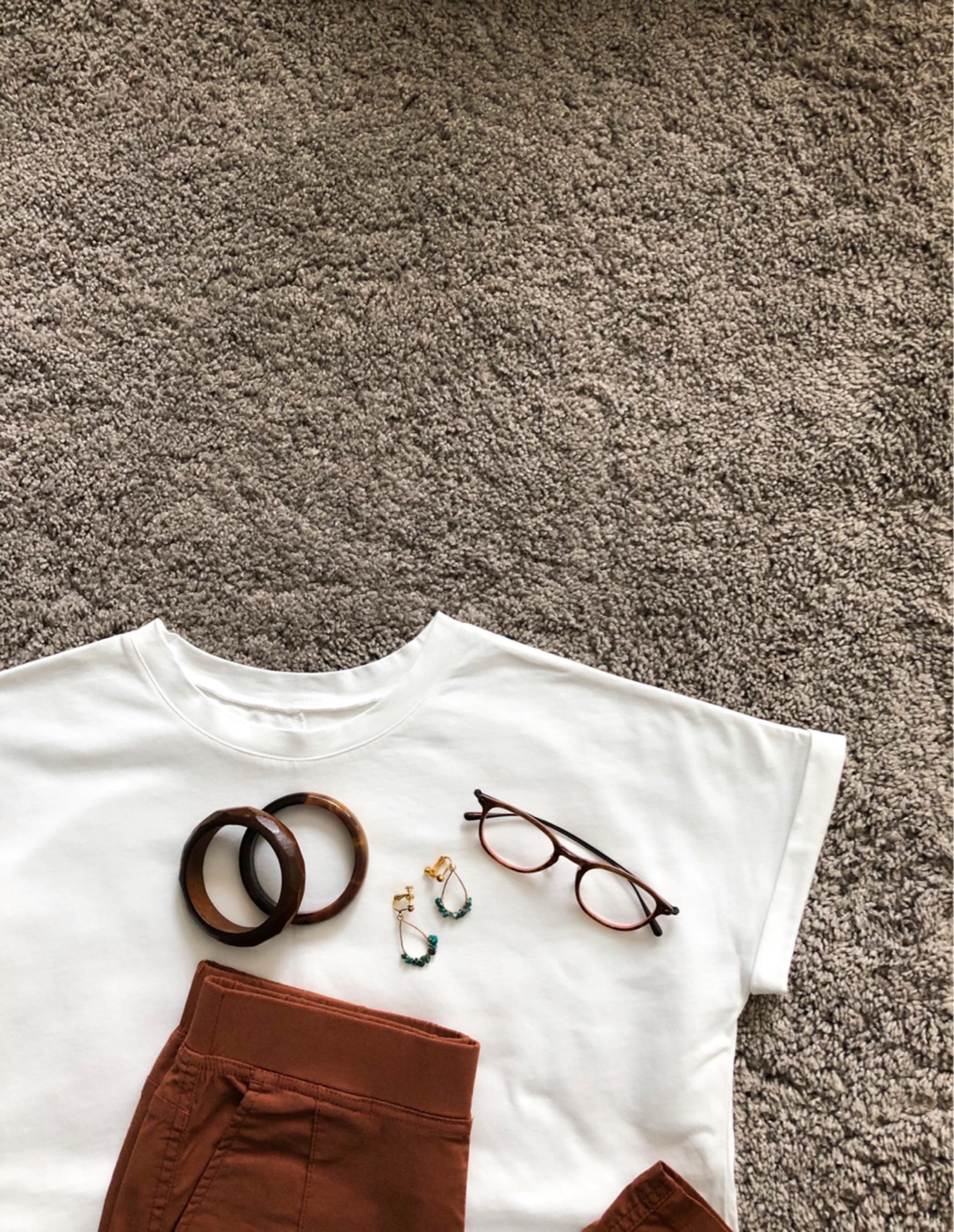 定番白Tシャツ、今年はゆったりめで。_1_1