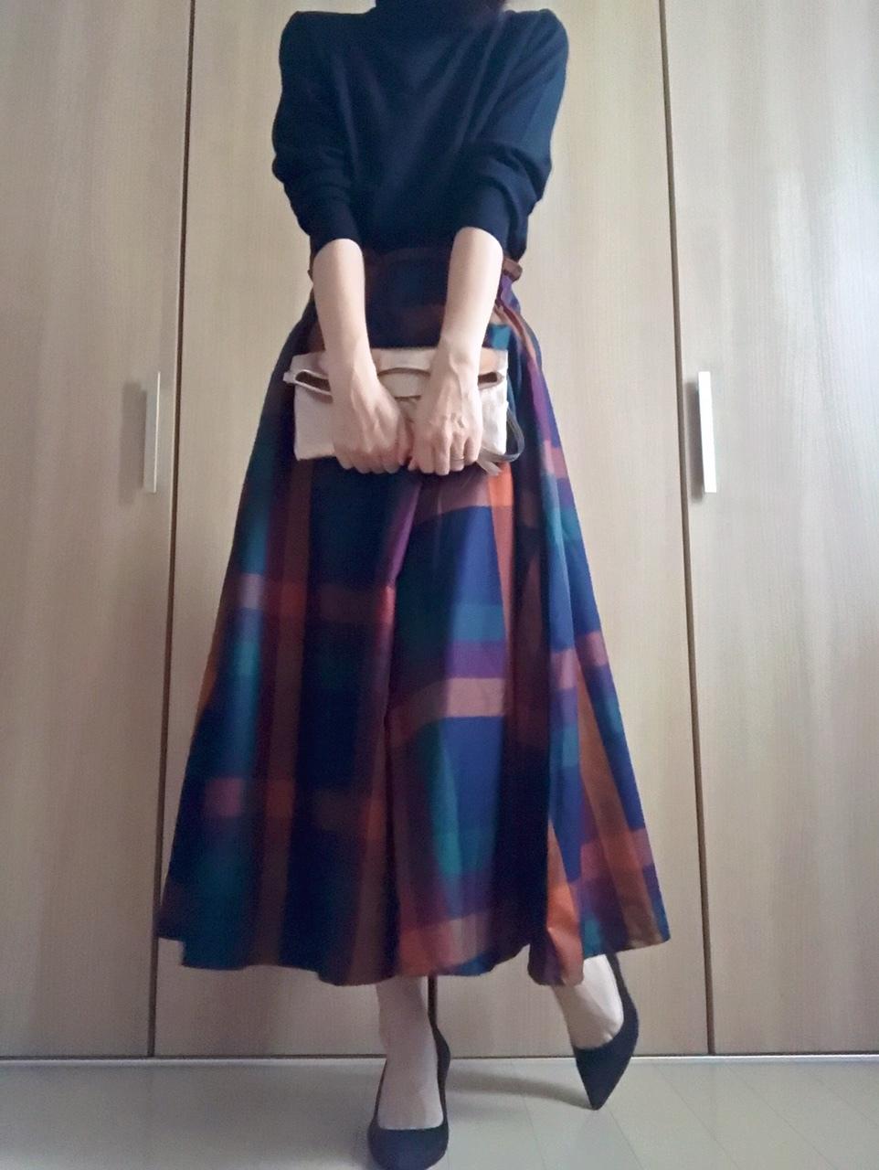 tiptopのチェック柄スカート着画