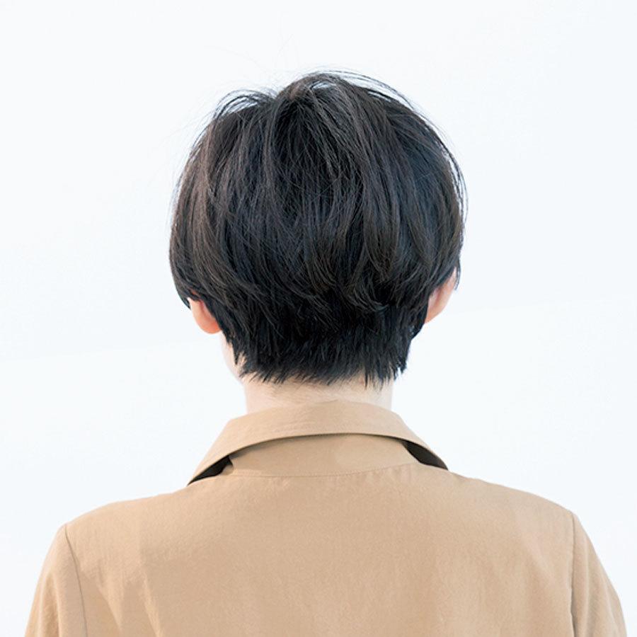 長めの前髪で顔をシャープに!モードも女らしさも楽しめるアレンジショート【40代のショートヘア】_1_1-3