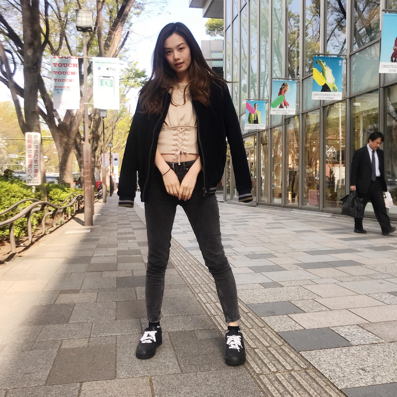泉はるはZARA×NIKEのスニーカーでスポーツミックスコーデ【モデルの私服スナップ】_1_1