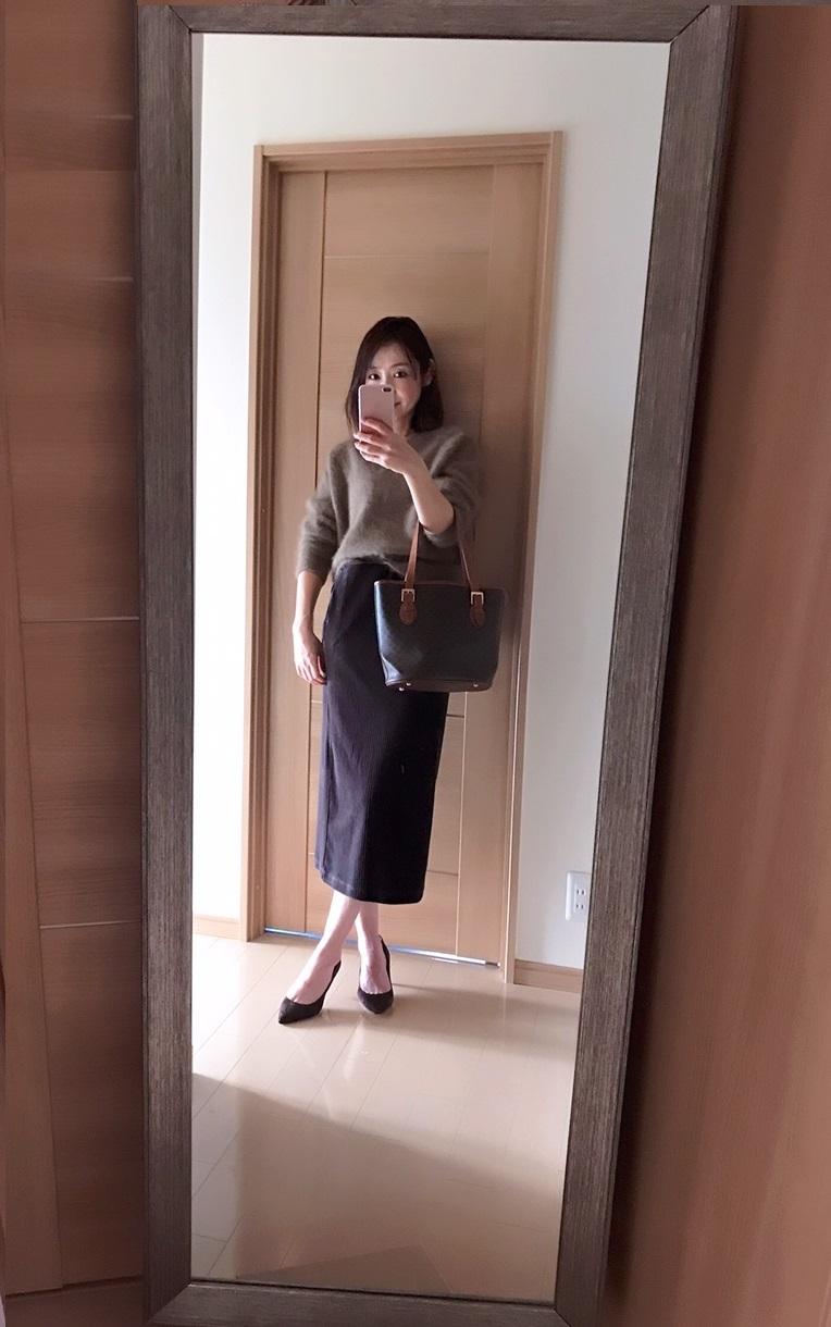 ユニクロのスカート着画