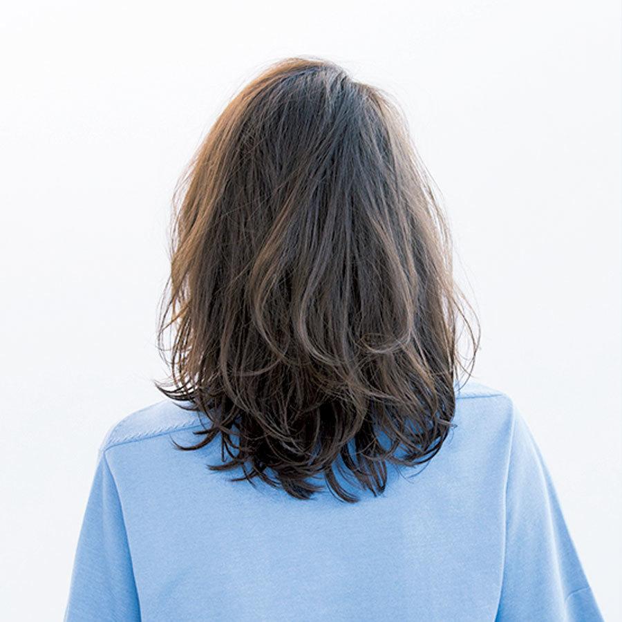 トレンド、小顔効果、髪質クリア、 すべてを網羅するソフトウルフ【40代のミディアムヘア】_1_1-3