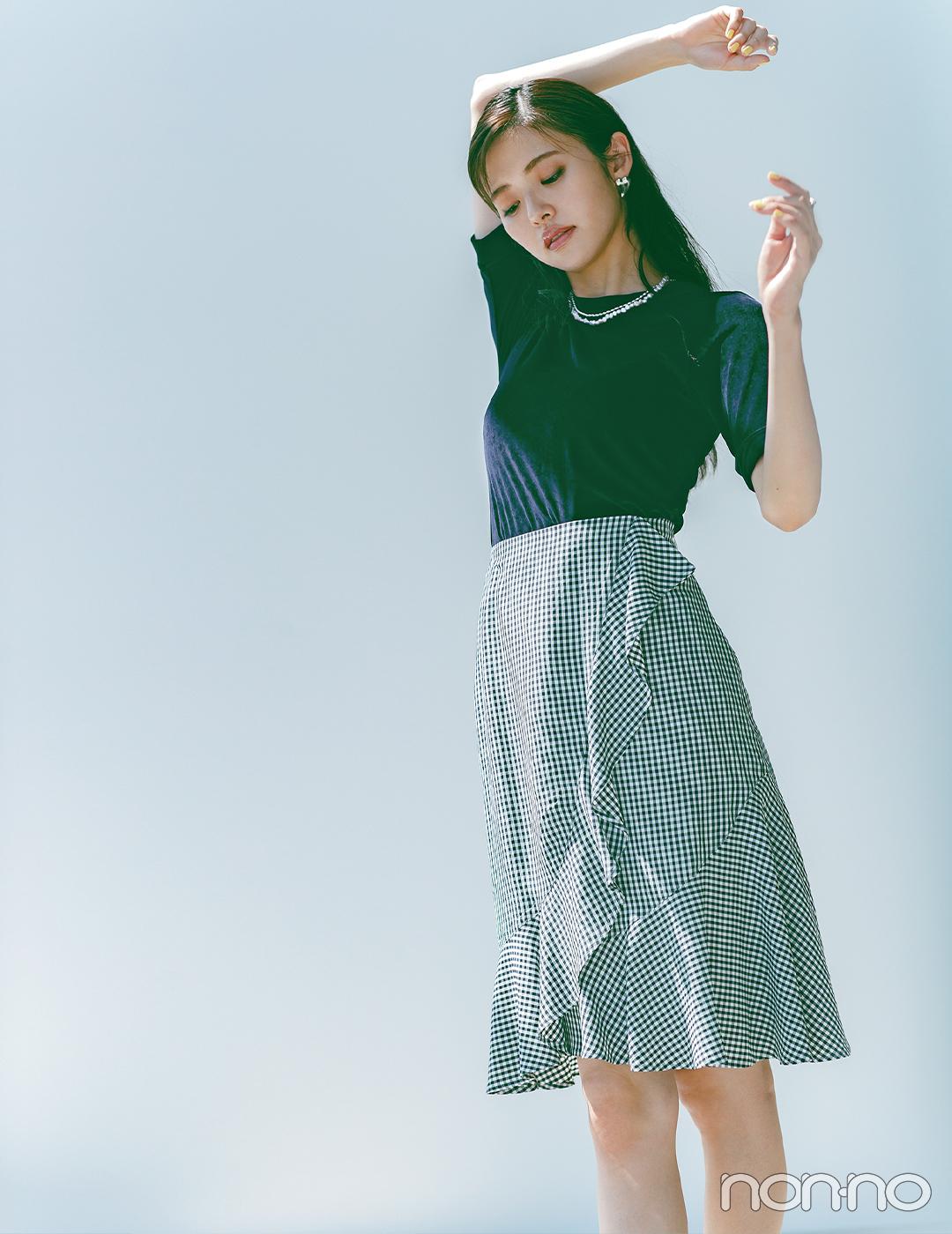 ギンガムチェックのスカートは色を抑えて大人の甘めスタイルに【大学生の毎日コーデ】
