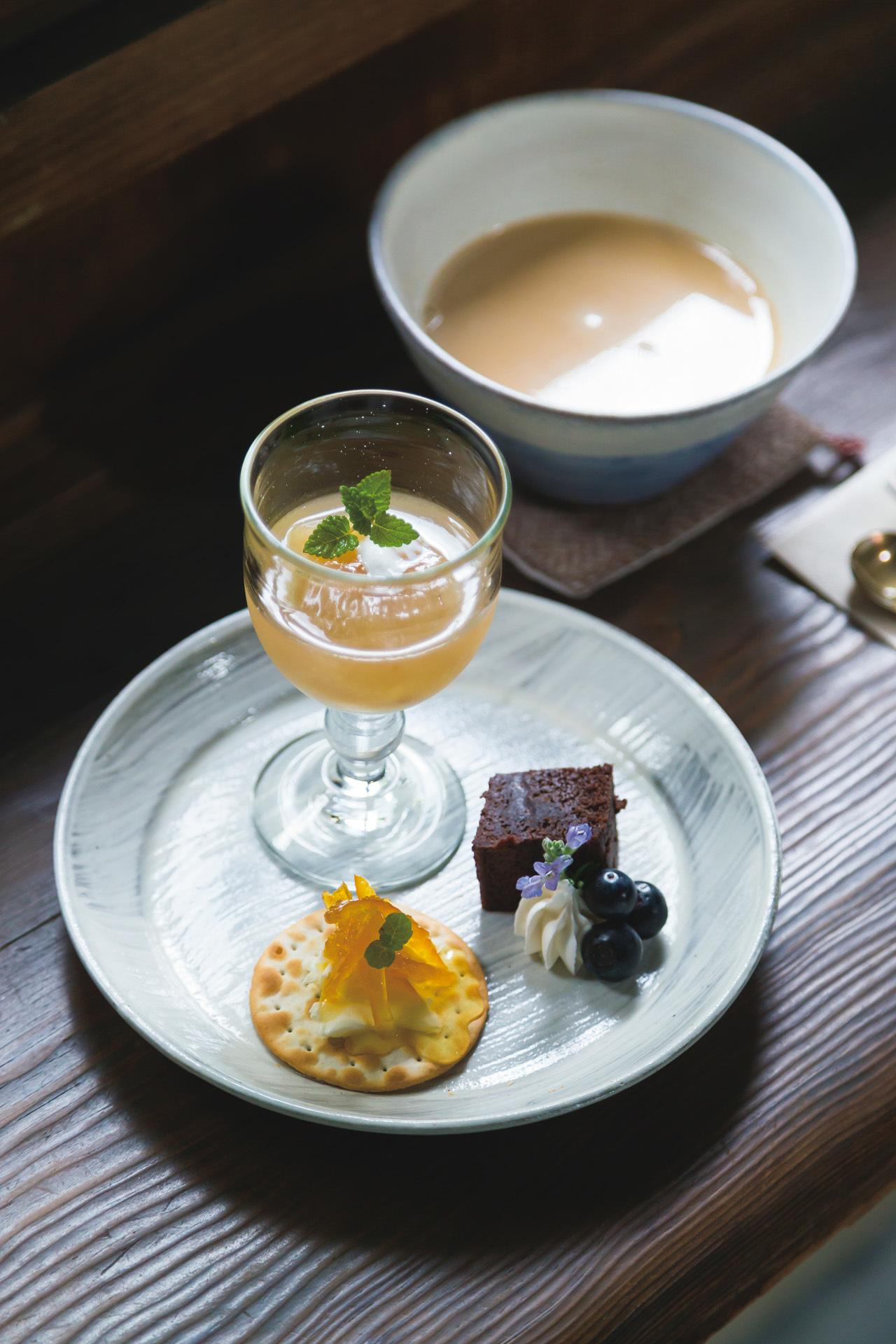 奈良散策途中に立ち寄りたい、大正期の趣漂う喫茶室 工場跡事務室_1_1
