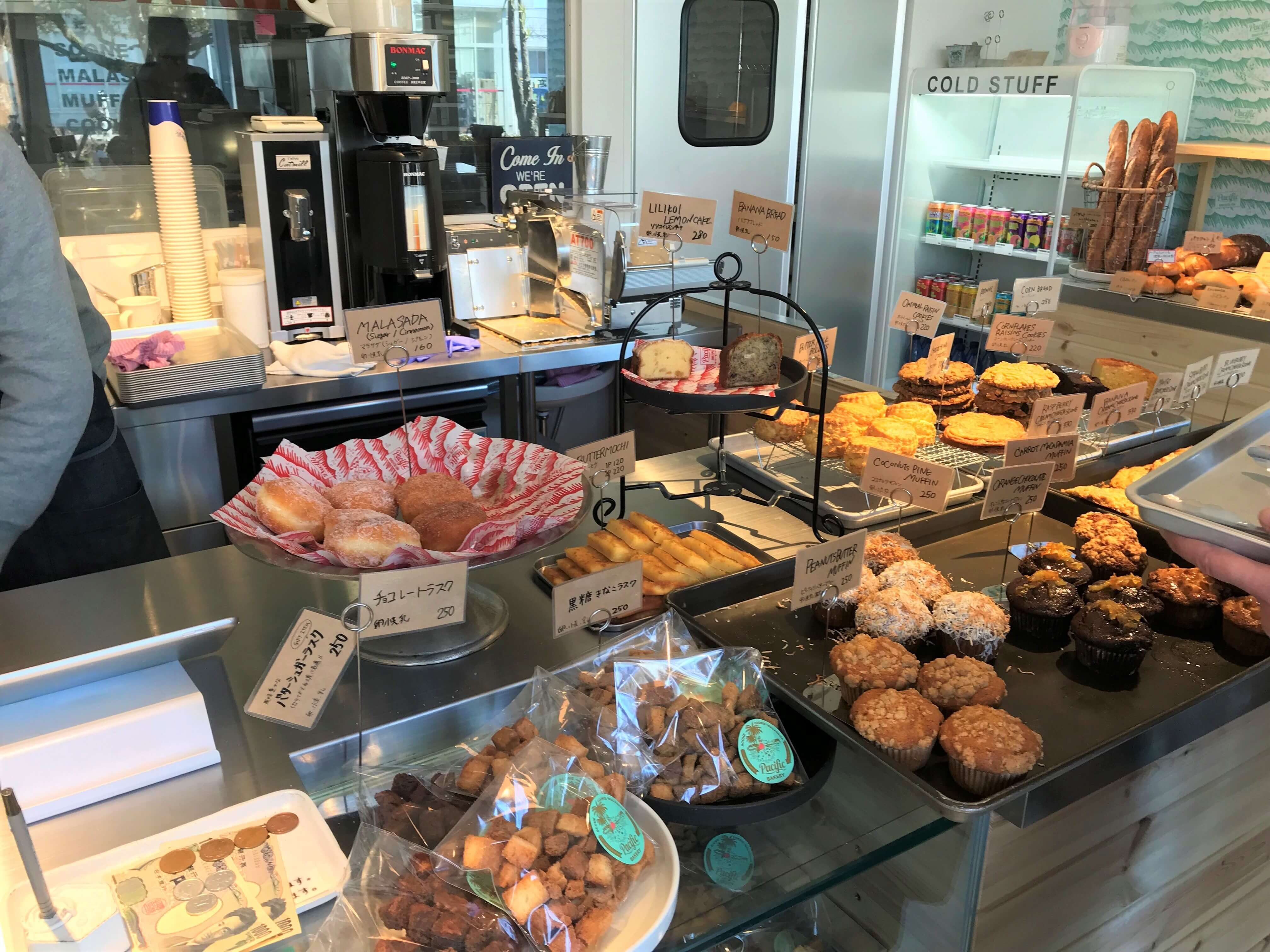 Pacific BAKERY_1_2