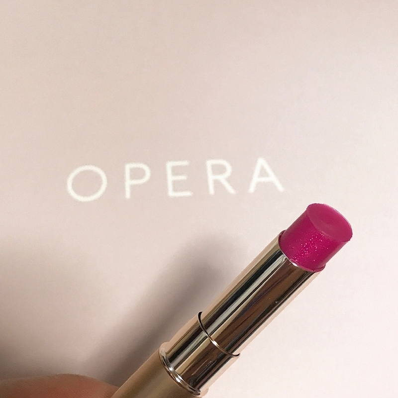 オペラのシアーリップカラー、05のシマリングピンク