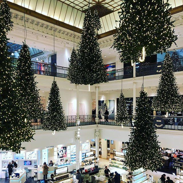 クリスマスが近づき、パリはノエルムード一色!目まぐるしく変わる街並みにワクワク♪_1_3