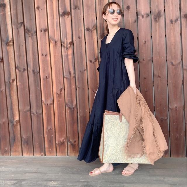 「ストール」でアラフォーの夏コーデをブラッシュアップ! 冷房対策にもおしゃれにも効くストールの取り入れ方  40代ファッション_1_21