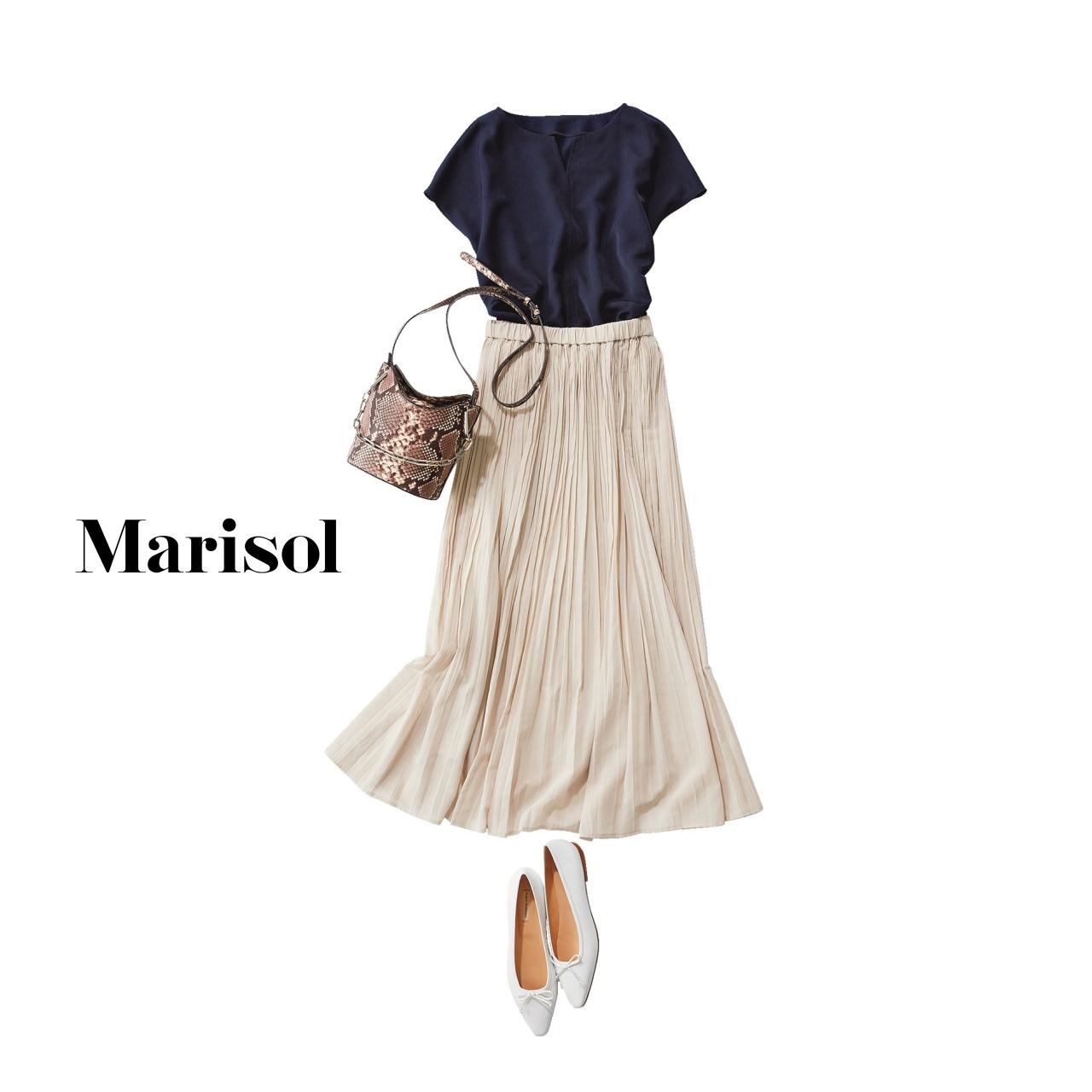 40代ファッション Tシャツ×ロングスカートコーデ