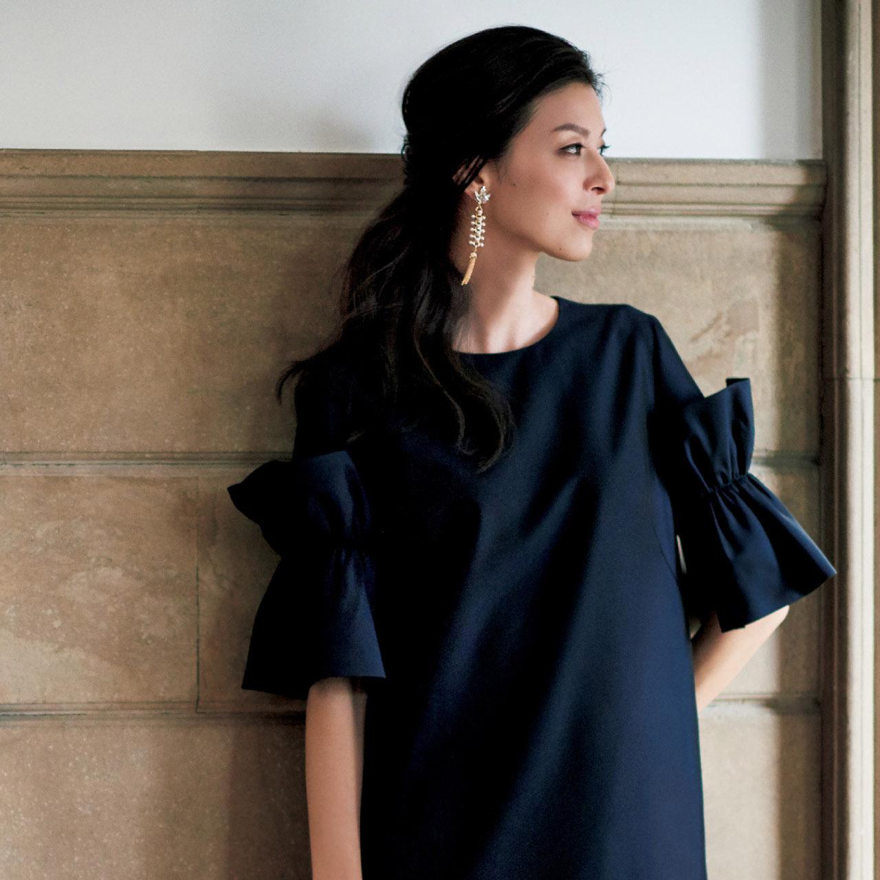 品のあるフェミニンワンピースで、好感度の高い同窓会ファッションに 五選
