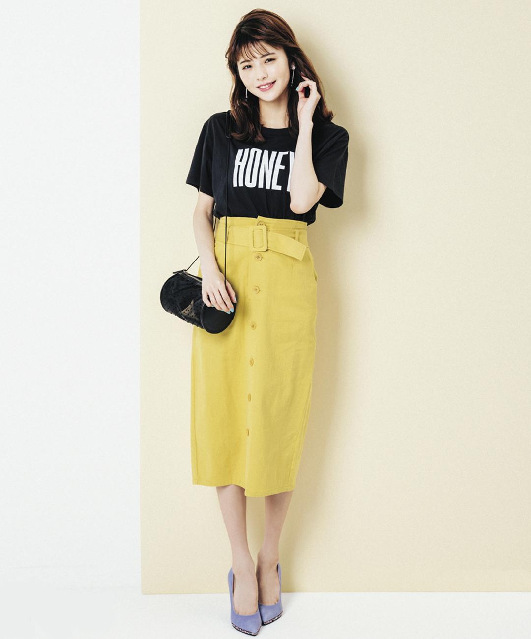 【夏のロングスカートコーデ】鈴木優華は、パキッとしたイエローのスカートでメリハリコーデ♪