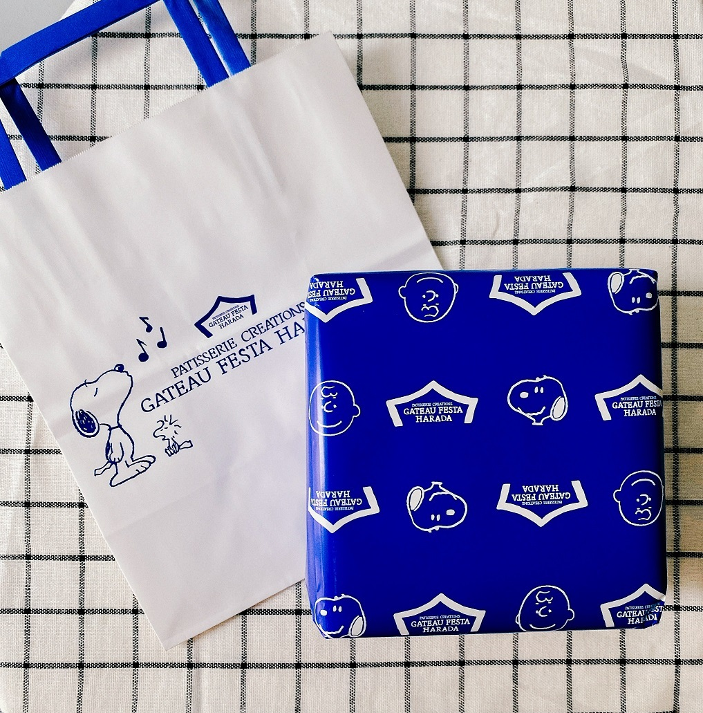 ガトーフェスタ ハラダ×スヌーピーの限定ラスク缶のオリジナル包装紙&ショッパー